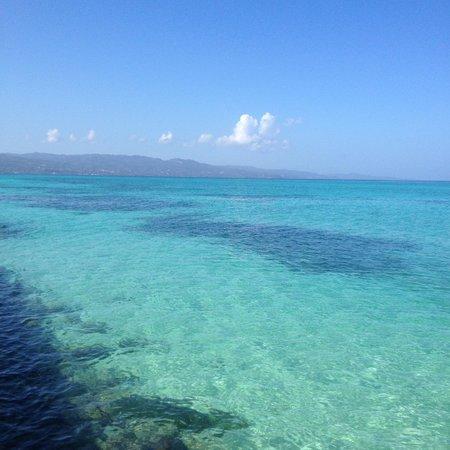 SeaGarden Beach Resort: beach view