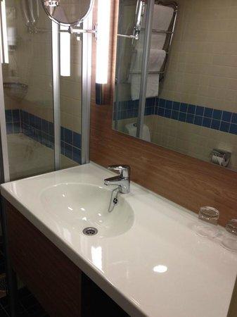 Scandic Grand Marina : SGM Bathroom