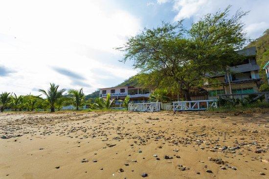 Punta Piedrero Ecolodge : Vista del Hotel desde la Playa