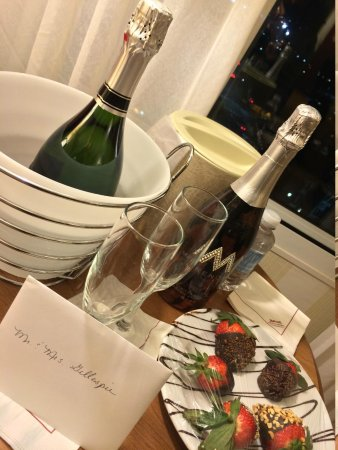 Monterey Marriott : The Welcome Gift from our Concierge