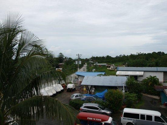 Landmark Marina: View from our balcony (Fish 'n Fins next door)