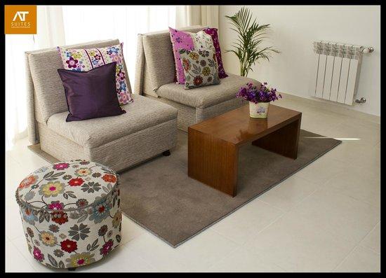 AT Suites: Sala de estar