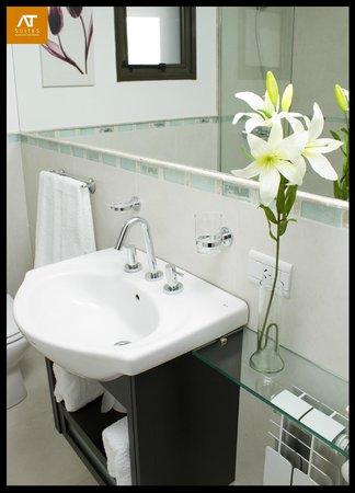 AT Suites: Baño