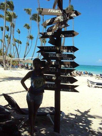 Grand Palladium Punta Cana Resort & Spa: Frente al rest buffet