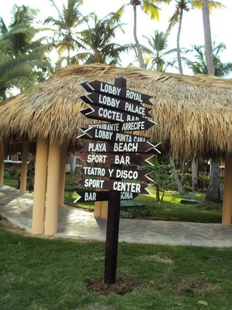 Grand Palladium Punta Cana Resort & Spa: Todo señalizado, de todas formas los mapas son entreveradizos