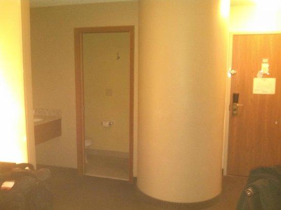 Fayetteville Sleep Inn: bathroom with walk in shower