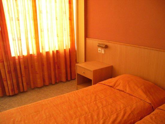 Eri Beach & Village: Room