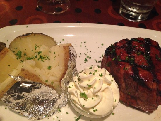 B's Steakhouse: Fillet Steak