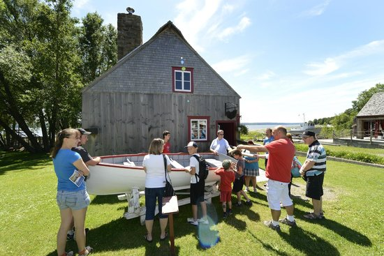 Saint-Laurent-de-l'Ile-d'Orleans, Canada: Explore the Parc maritime accompanied by a guide-interpreter.