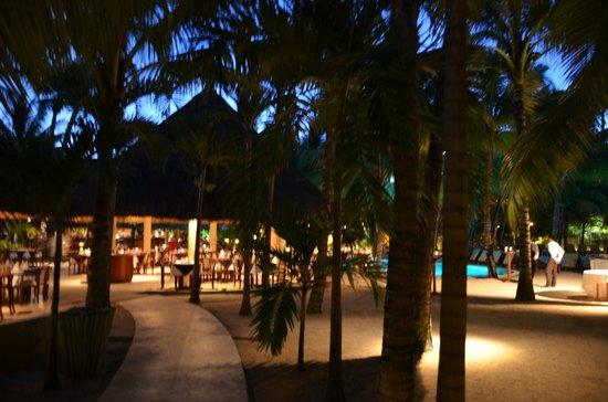Canonnier Beachcomber Golf Resort & Spa : Le restaurant principale