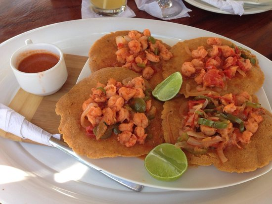 Hotel Tortuga Village: Shrimp burritos to FILL you up. Makes me want to go back now.