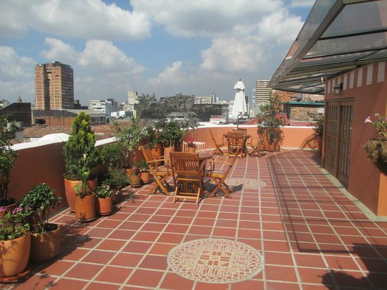 Hotel Casa Deco : the roof terrace - BYO with views