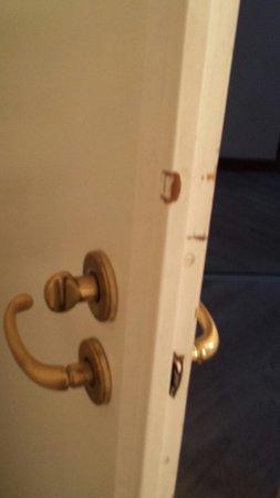 Hotel Neutor: 4 Sterne Tuer ins Bad
