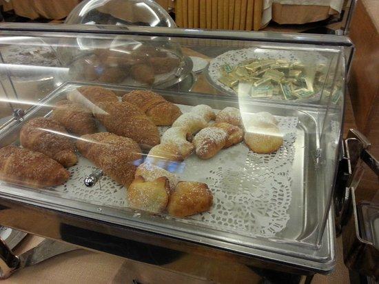 Ramada Naples City Centre: heerlijk ontbijt