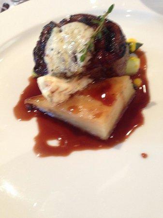Catharina's Restaurant at Steenberg: Steak medallion beyond tender.