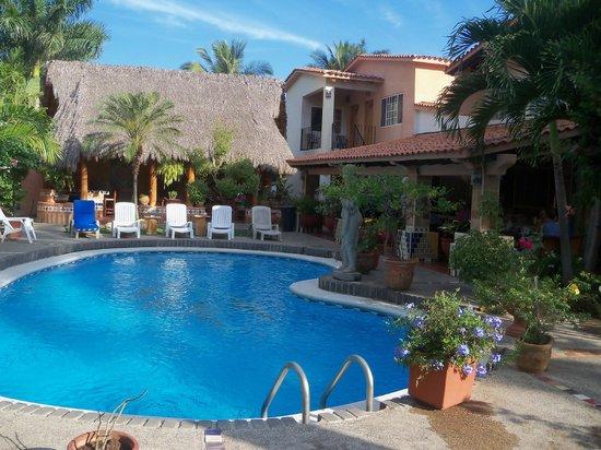 Casa Virgilios: lovely pool area