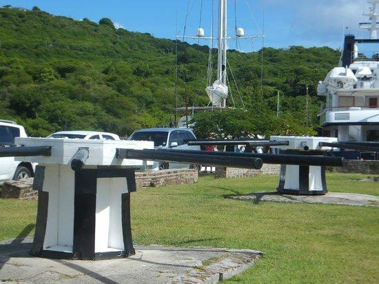 Nelson's Dockyard : Sea front