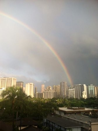 Regency on Beachwalk Waikiki by Outrigger: Beautiful rainbow view from our balcony