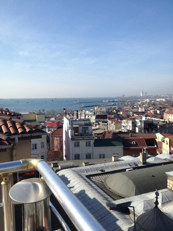 Dara Hotel Istanbul : Такое будете наблюдать при каждом завтраке :)
