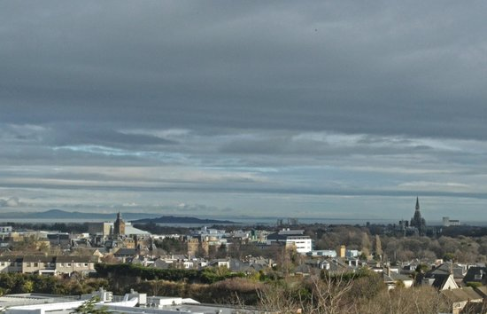 Holiday Inn Edinburgh City - West: view over the sea