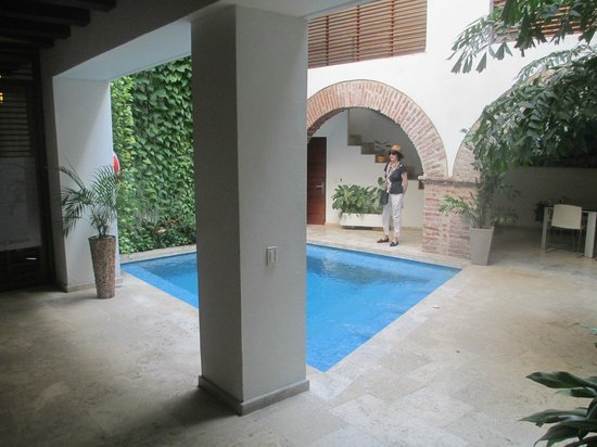 Casa Claver Loft Boutique Hotel: The pool on the first level