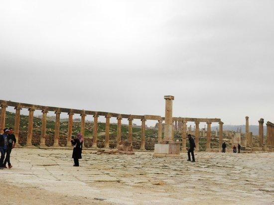 Ruinen von Gerasa: IL FORO OVALE