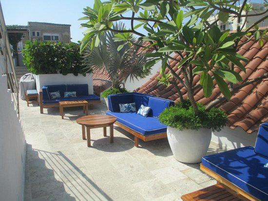 Casa Claver Loft Boutique Hotel: rooftop terrace/  drinks are served