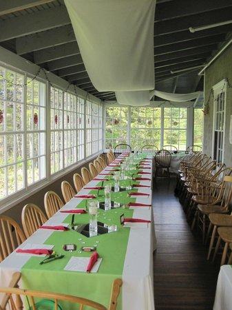 Seyon Lodge: Lunch on our three season porch