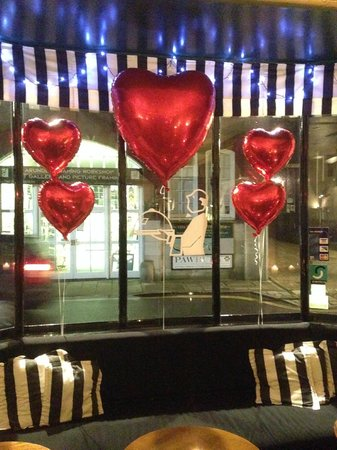 Butlers Restaurant, bar & terrace: Butlers Valentine window