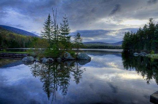 Seyon Lodge: Noyes Pond at dusk.