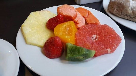 HF Fenix Urban : Les fruits frais du buffet