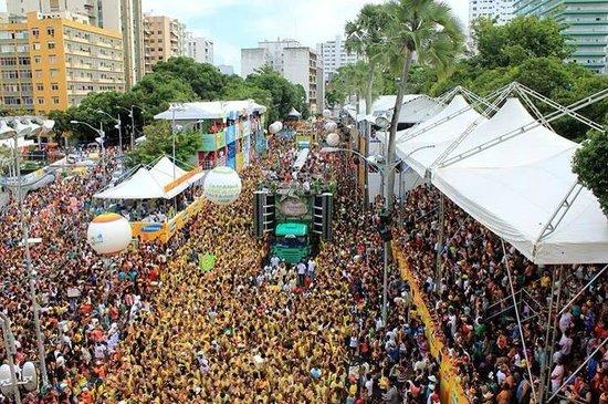 Carnaval de salvador bahia chupando buceta