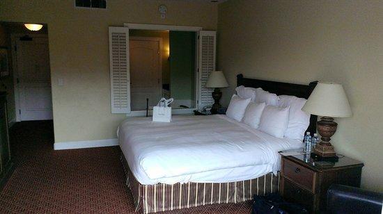 The Lodge at Sonoma Renaissance Resort & Spa: King Lodge Room