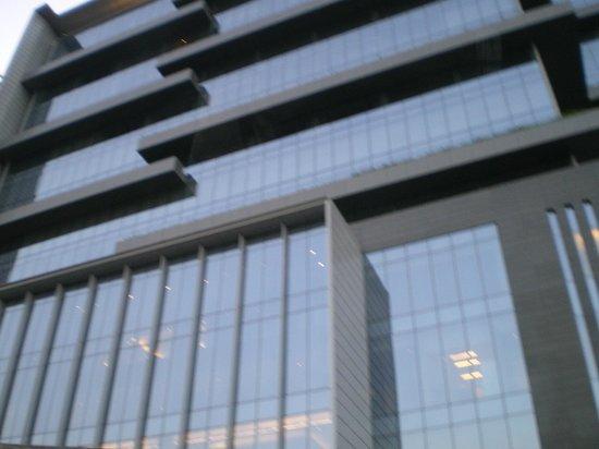 Trident Hyderabad: Exterior of hotel