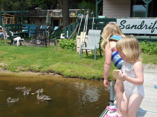 Sandrift Resort : Family fun on the dock