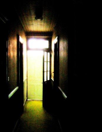 Bar le Grattoir : In the upstairs hallway