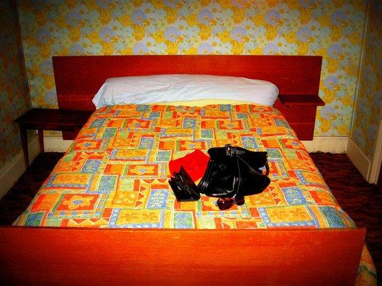 Bar le Grattoir : The bedroom