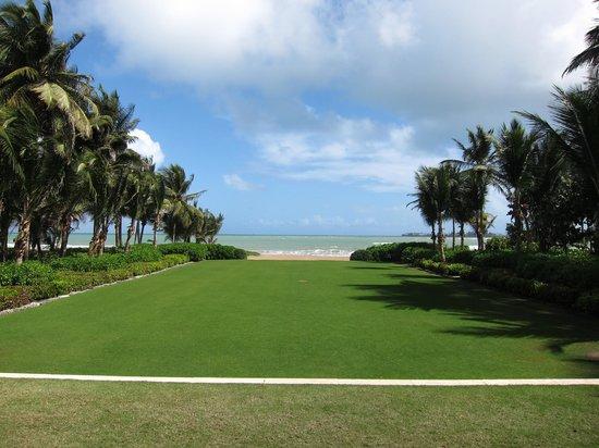 The St. Regis Bahia Beach Resort, Puerto Rico: Vue Terrasse