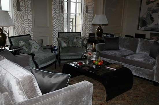 Shangri-La Hotel Paris: Pièce princiale