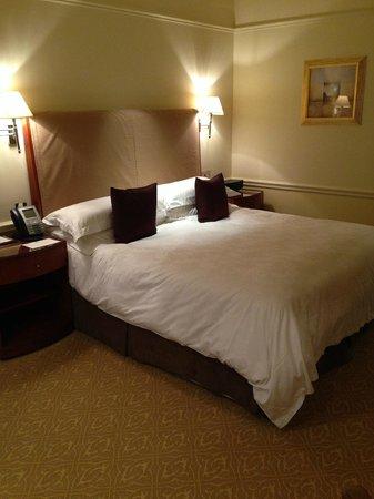 The Langham, London: Bed
