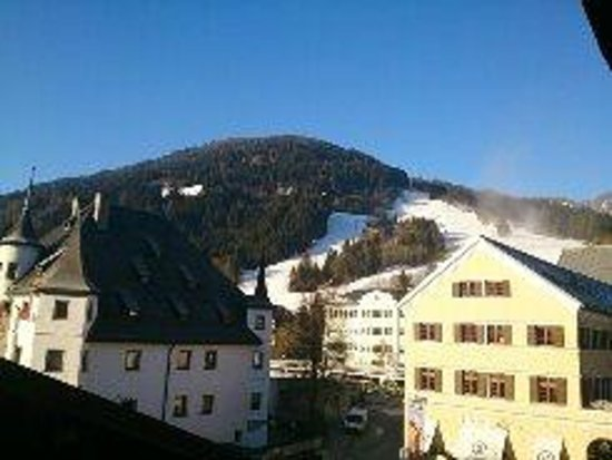 Hotel zum Hirschen: The Black run home