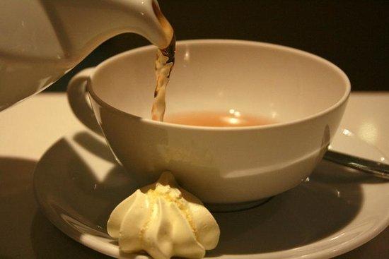 Patisserie Richard: Kusmi Tea.. Dans notre salon de thé, Côté Macarons