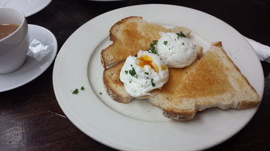 The Plan Cafe: Eggcellent breakfast