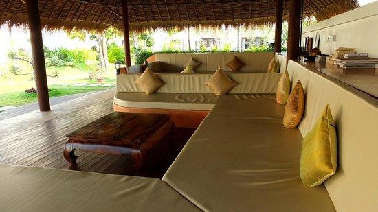 Navutu Dreams Resort & Wellness Retreat: Outdoor area for relaxing