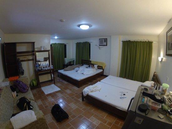 Cherrys @ Home Too Inland Resort: Quadruple Room