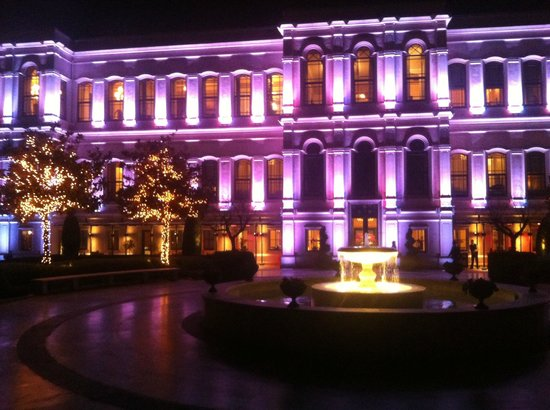 Four Seasons Istanbul at the Bosphorus: Area Externa