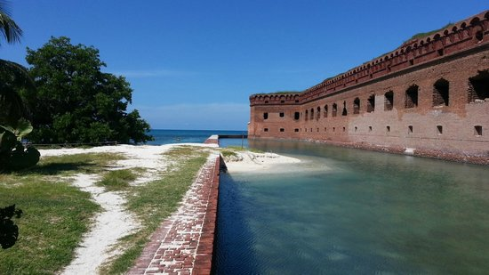 Yankee Freedom III: a great view of the fort