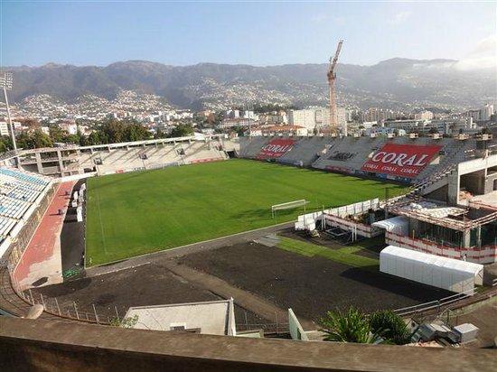 Madeira Panoramico Hotel: Gleich um die Ecke, das Sportstadion