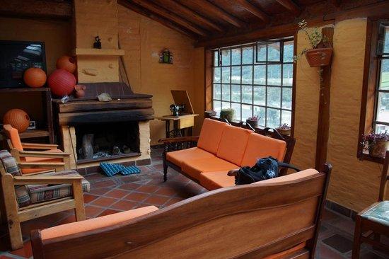 Hostal Coturpa, Su Casa en Papallacta: Fireplace