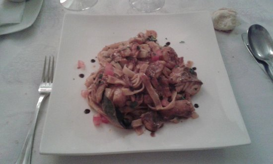 Le Tantra : tagliatelle gamberi jaint-jacques calamari arancia spezie